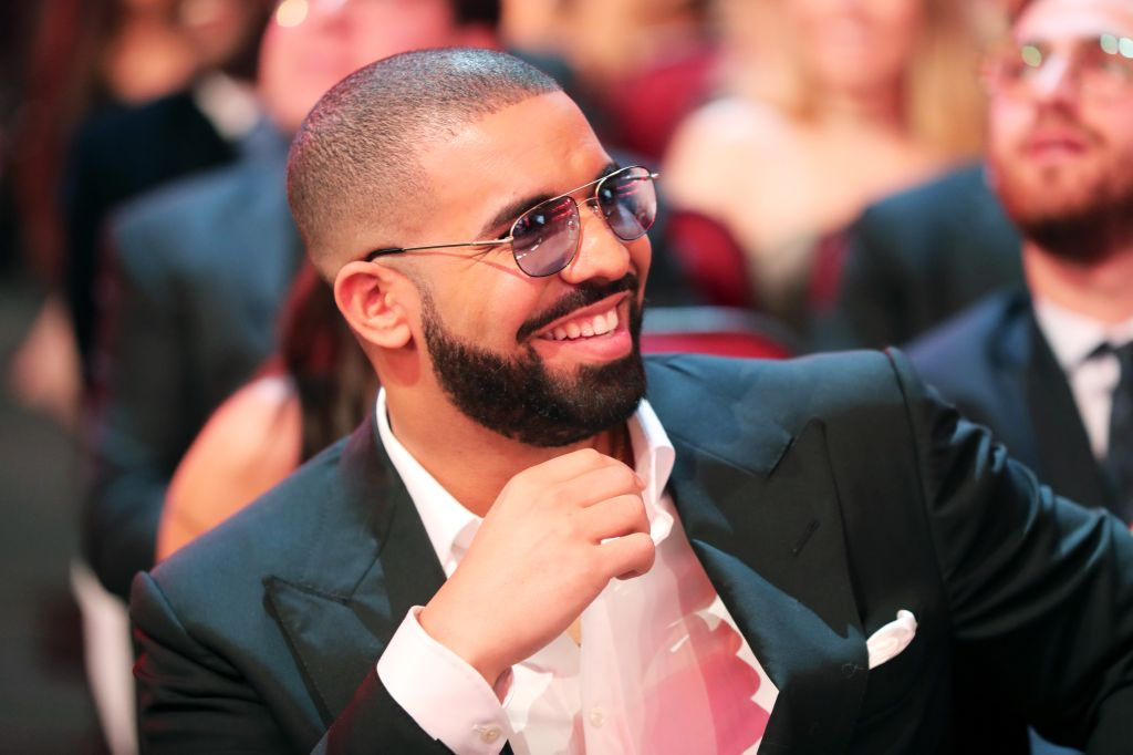 2016 American Music Awards - Roaming Show
