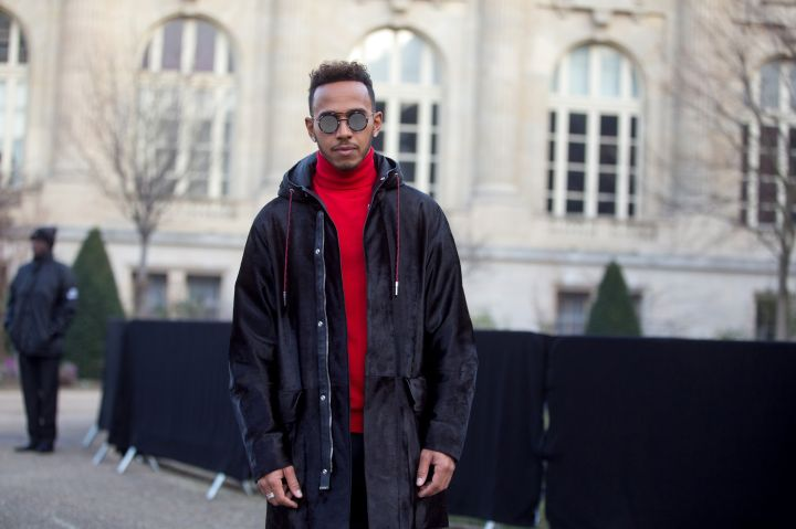Street Style : Paris Fashion Week - Menswear Fall/Winter 2017/2018 : Day Four