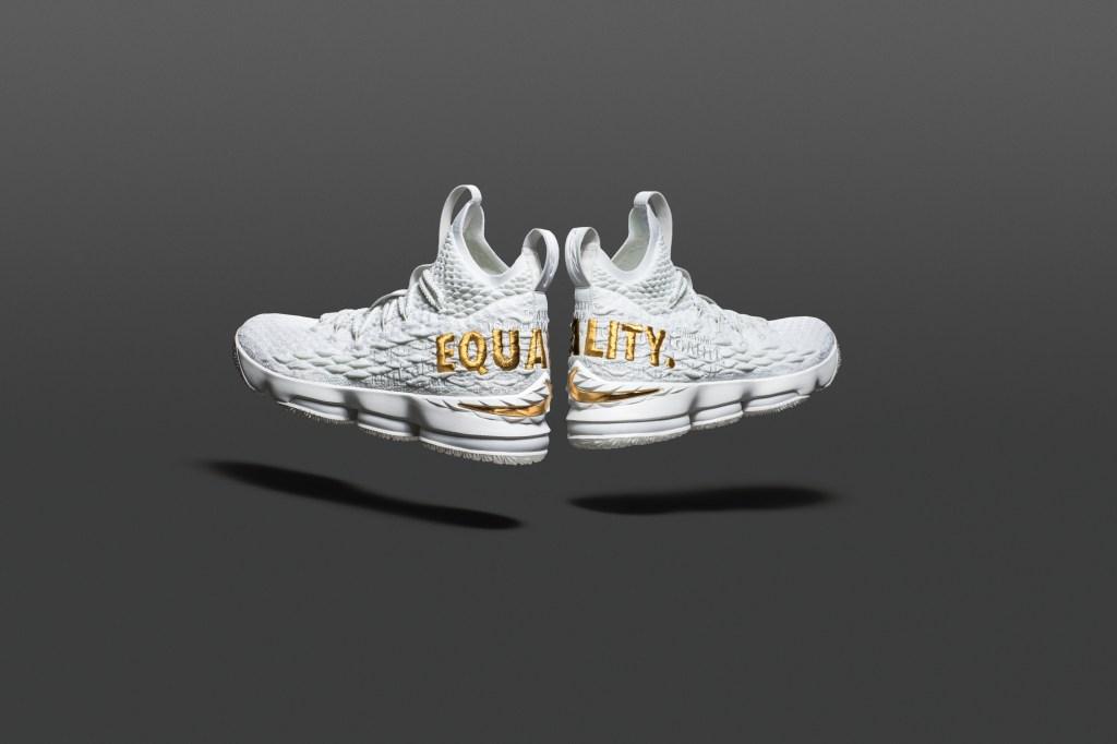 "Nike LeBron 15 ""EQUALITY"""