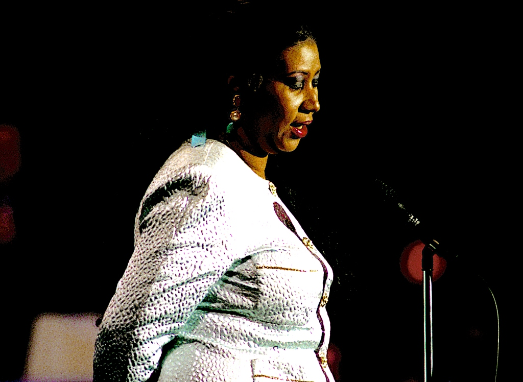 Aretha Franklin Opens the Second Night of the 1992 Democratic Convention