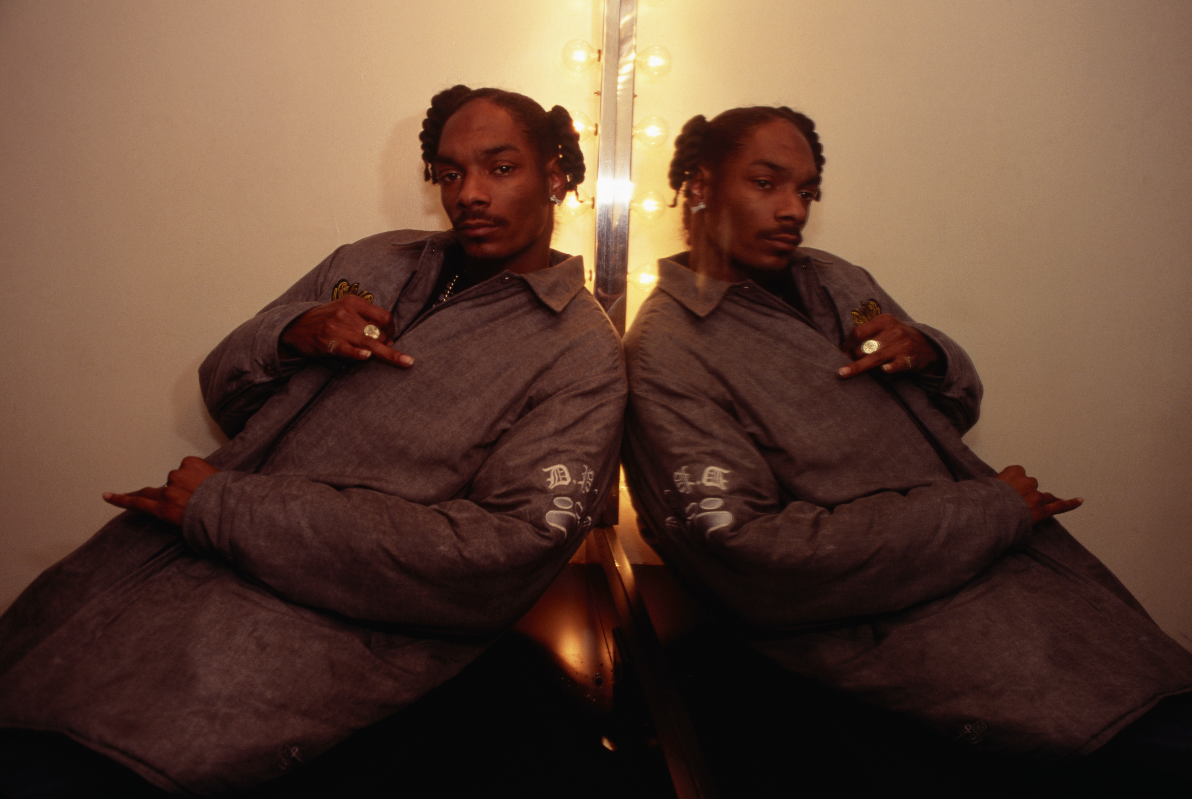 Snoop Doggy Dogg Posing in Front of Mirror