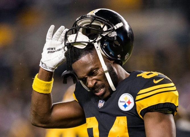 Antonio Brown Threatens Not To Play If He Can't Wear Old Helmet