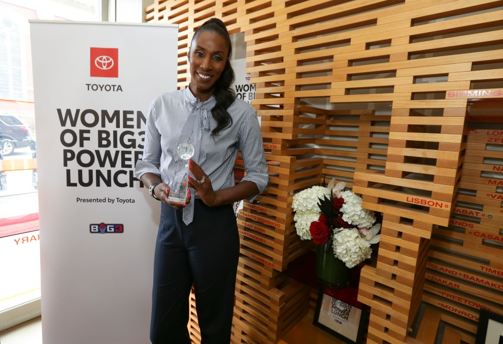 Lisa Leslie To Get Her Own Statue In Front of The Staples Center