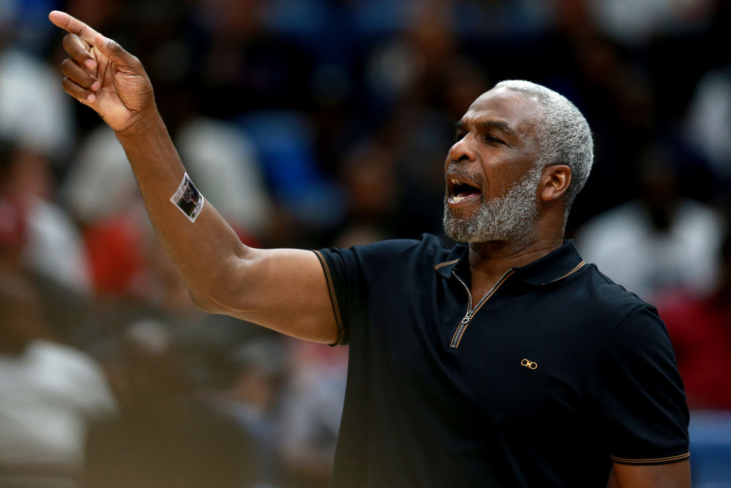 Charles Oakley Rips Patrick Ewing & Other Former New York Knicks Teammates