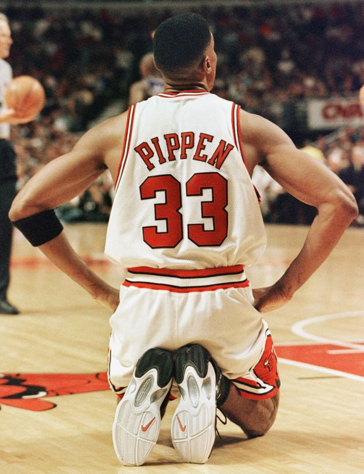 Pippen's Problems & Contract)
