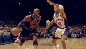Chicago Bulls' Michael Jordan tries to get past New York Kni
