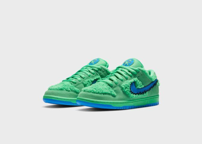 Nike SB Dunk Low Grateful Dead