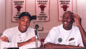 Chicago Bulls basketball stars Michael Jordan (R)