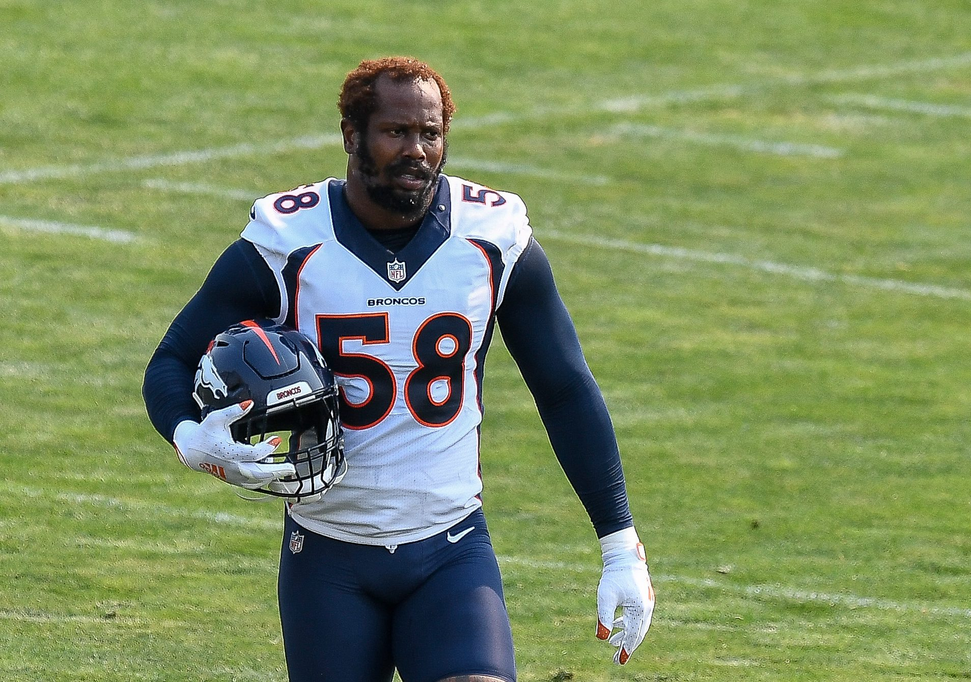 """Von Miller Admits He """"Could Have Stood Taller With Colin Kaepernick"""""""