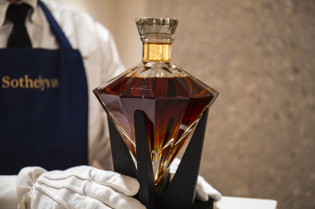 D'USSÉ® Grande Champagne Cognac Anniversaire Limited Edition 1969 Sold At Sotheby's