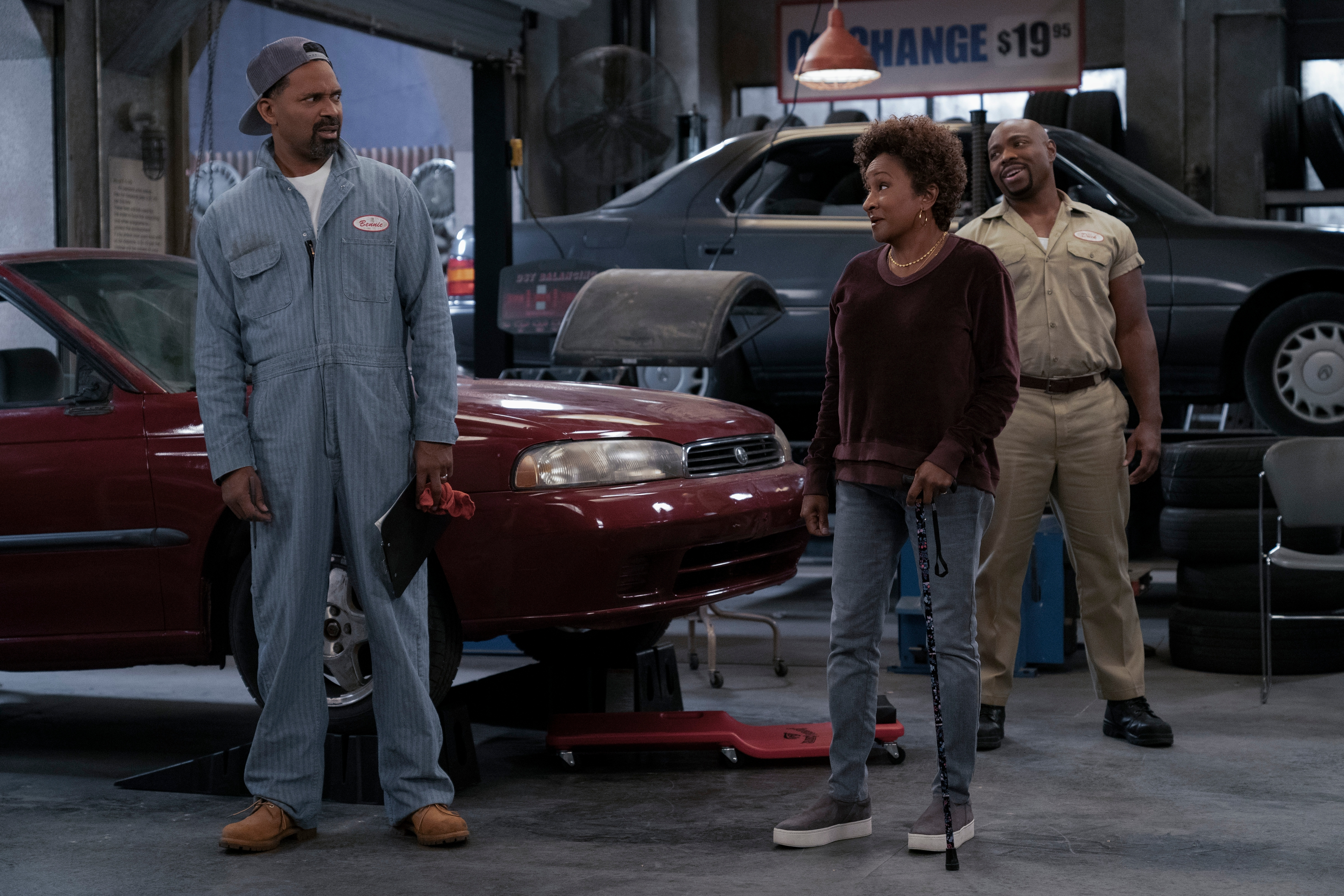 Mike Epps and Wanda Sykes in The Upshaws