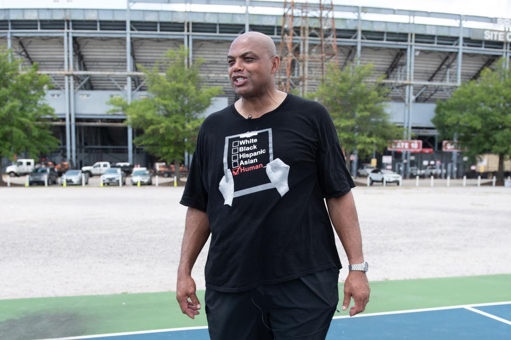 "Charles Barkley Calls Athletes Who Refuse To Get Vaccinated ""Selfish"""